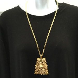Jewelry - Women's Fashion Stunning Gold Necklace w Pendant